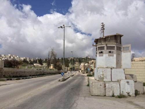Shuhada street är sedan gatan stängdes 1994 i stort sett helt tom.