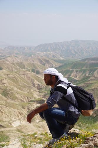 Jameel Khalil Hammadin tittar ut över bergen Tabeq al-Qteyf.
