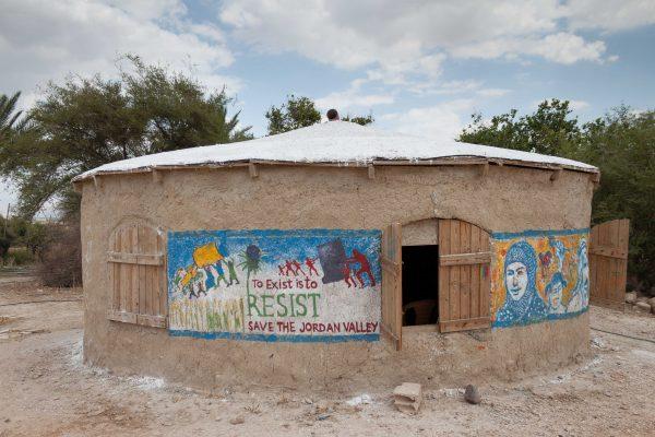 """""""Kontoret"""" och mötesplatsen för organisationen Jordan Valley Solidarity. Foto: Bo Hellström"""