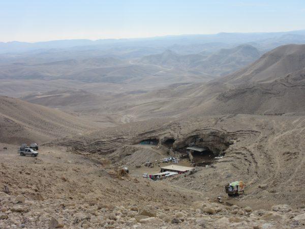 Hus med demoleringsorder i beduinlägret