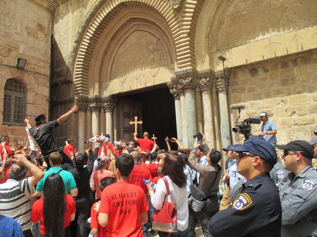 Pilgrimer samlas i Jerusalem för att fira påsk.
