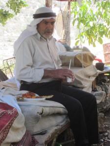 Sabri Abdullah, far till 17 barn med samma fru.