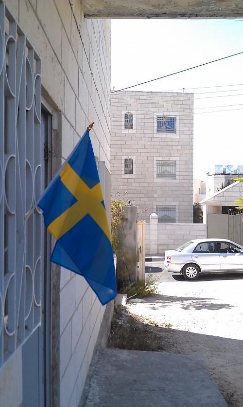 Huset i Betlehem med en vajande svensk flagga dagen till ära den tredje oktober.