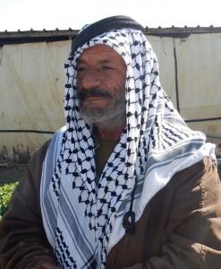 Abu Sakr tänker inte ge sig, och inte heller ge sig av för att ge plats för den israeliska bosättningen.