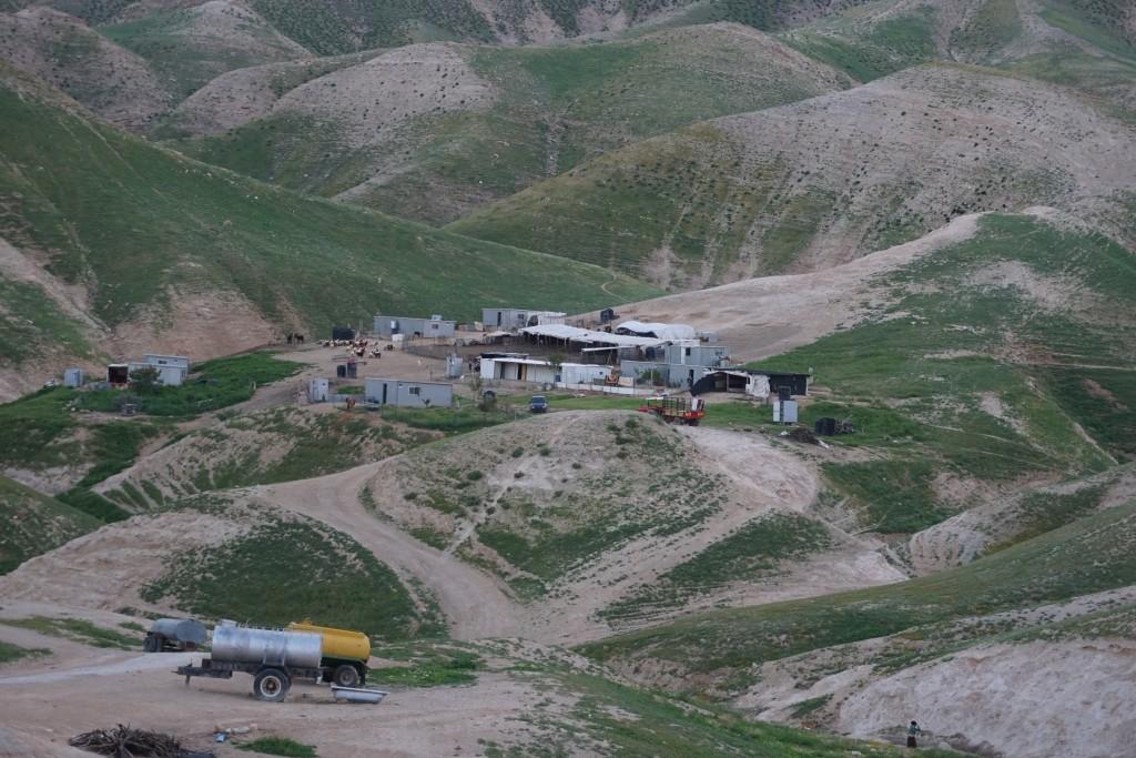 Beduinlägret Sateh al-Bahar. Jameel och Khadras hem.
