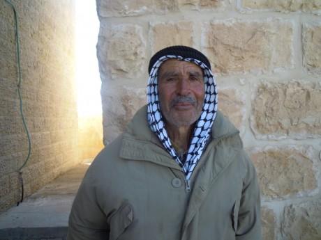 Musa Osman Sheikh har förlorat mark till bosättningarna och numera kan han bara ha olivträd som kräver mindre skötsel.