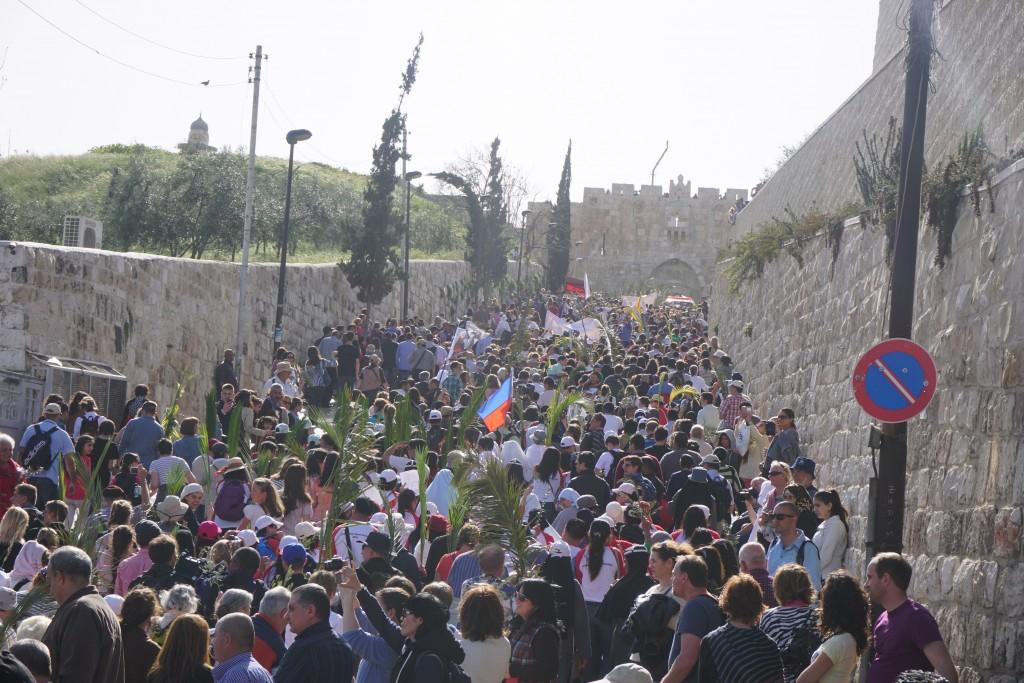 Procession på Palmsöndagen i Jerusalem.