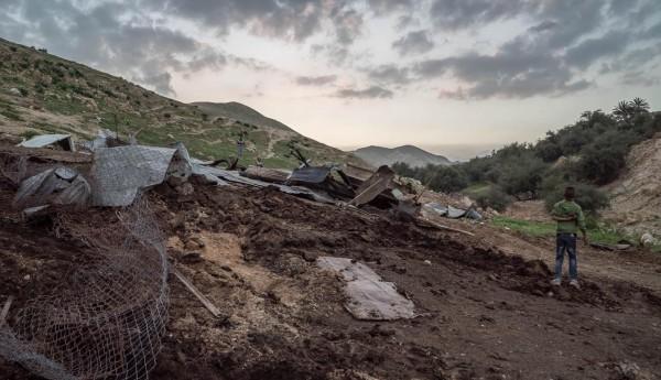 Resterna av det som tidigare var ett bostadshus och ett djurstall i en av tre drabbade delar av Ein al-Qilt. Foto: G. Soares.