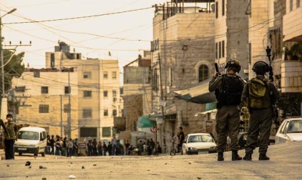 Soldater som vi är vana att se dem på Västbanken. Här vid vägspärr 209 i Hebron, en av de platser Nadav tjänstgjorde vid. Foto: G. Soares.