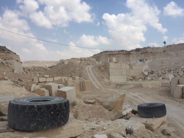 Ett öde stenbrott utanför Beit Fajjar, tystnaden är öronbedövande. Foto: Christer Wik