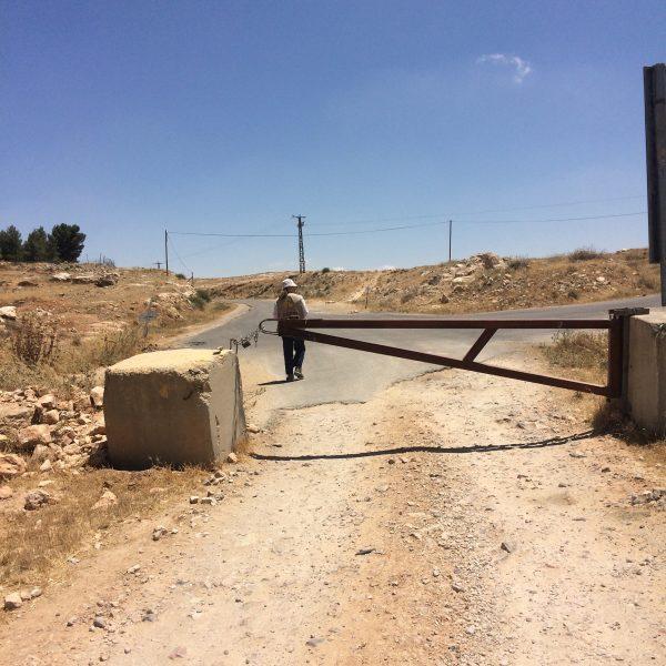 Tillfartsvägarna till Yatta är blockerade. Foto: Maria Kileby