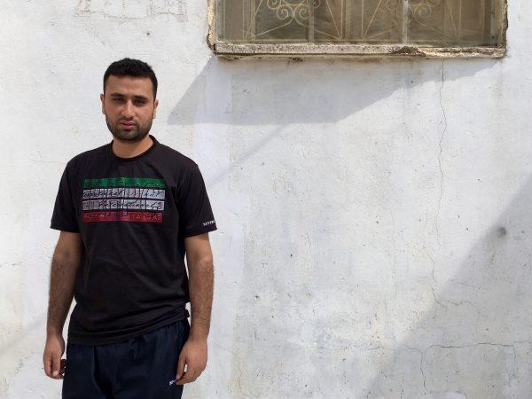 Ghassan Naijar utanför sitt hem.