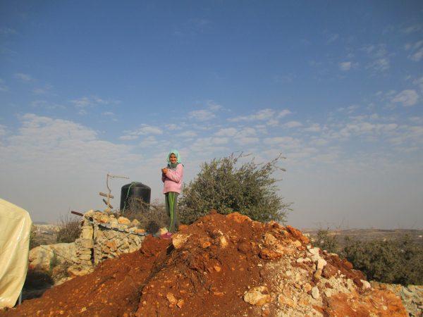 Sidra Saher på hemmets utsiktspunkt. Foto: Susanne