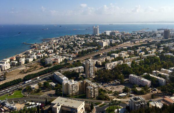 Utsikten över Haifa från klostret Stella Maris. Foto: Niklas